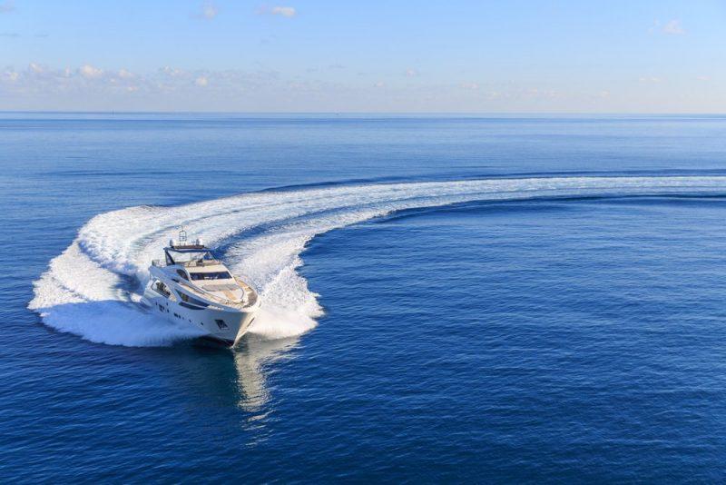 Bareboat charters in Canada